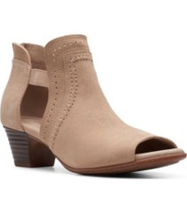 clarks collection women's valarie trail shooties women's shoes