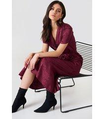 na-kd boho tie waist jacquard satin dress - red,purple