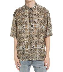 men's topman bandana print short sleeve button-up shirt, size large - grey