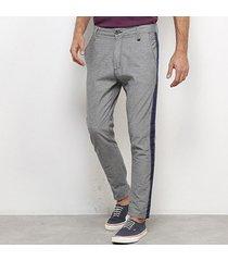 calça jeans skinny forum listra lateral masculina