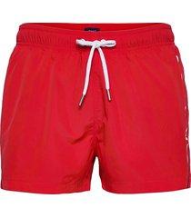 sc lightweight logo swim shorts badshorts röd gant