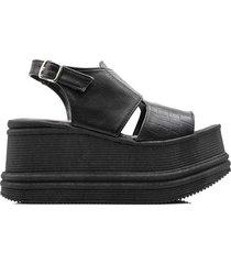 sandalia negra kandil perry plataforma