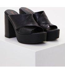 zapato negro heyas lipau11