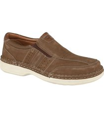 breda skor ara brun