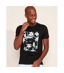 "camiseta masculina slim courage"" floral manga curta gola careca preta"""