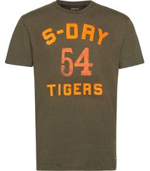 military box fit graphic tee t-shirts short-sleeved brun superdry
