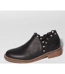 zapato negro bettona lagos