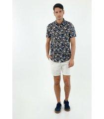 camisa de hombre, silueta confort con cuello francés, manga corta, con estampado tropical