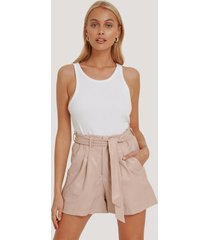 na-kd faux leather paperbag shorts - pink