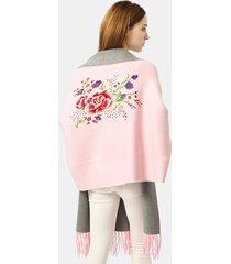 scialle in lana con ricami floreali