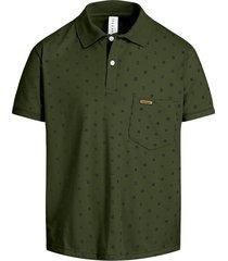 camiseta tipo polo puntazul con bolsillo verde militar