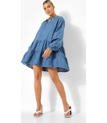 chambray jurk met laagjes en hals strik, mid blue