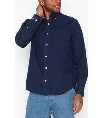 gant d1. indigo solid hugger bd skjortor indigo