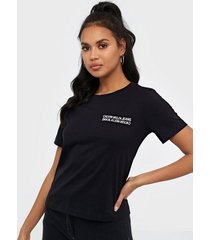 calvin klein jeans square graphic straight tee t-shirts