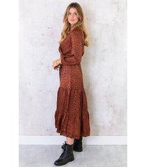 lange cheetah silk jurk terracotta