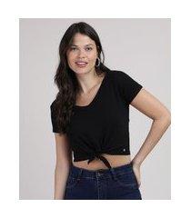 camiseta feminina cropped canelada com nó manga curta decote v preta