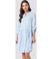 na-kd boho gathering detail shirt dress - blue