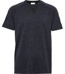 hmlwes seamless t-shirt s/s t-shirts short-sleeved svart hummel