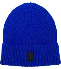 marcelo burlon county of milan cross ribbed-knit beanie - blue