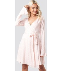 afj x na-kd dot print wrap mini dress - pink