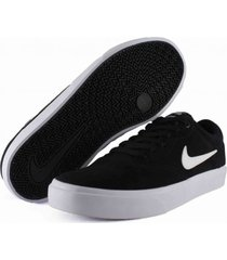 tenis negro sb charge suede,
