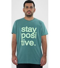 camiseta hurano stay positive verde - kanui