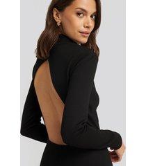 na-kd party cut out back long sleeve midi dress - black