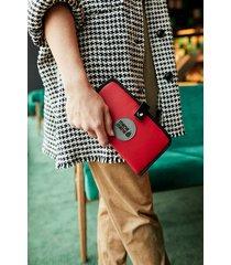 czerwony portfel mana