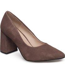 jane s shoes heels pumps classic brun shoe the bear