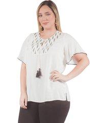 blusa adrissa plus blanca con corte en el frente y mezcla de telas