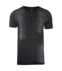 camiseta masculina listrada efeito spray - preto