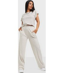nly trend cozy tee set jumpsuits