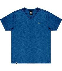 """camiseta flamê decote v"""" plaquinha no stress azul"""" - kanui"""