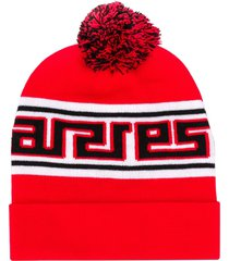 aries logo print knitted beanie - red