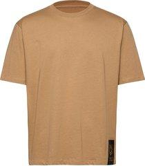 pro t-shirts short-sleeved brun tiger of sweden jeans