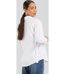 na-kd trend adjustable side strap oversized shirt - white