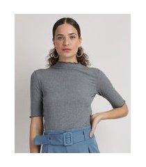 blusa feminina básica canelada manga curta gola alta cinza mescla escuro
