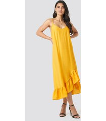 na-kd boho bottom flounce strap dress - yellow