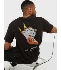 the classy issue fuego tee t-shirts & linnen black