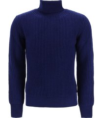gm77 in lambswool turtleneck pullover