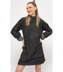 vestido missguided pleat slv high neck smock dre negro - calce regular