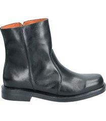 bota negro guante