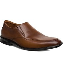 bensley step shoes business loafers brun clarks