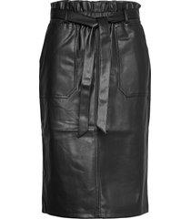 sc-beckie knälång kjol svart soyaconcept