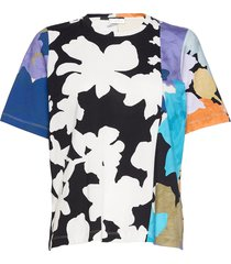 leonie c, 1000 allover tee t-shirts & tops short-sleeved multi/patroon stine goya