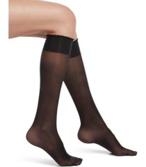 hue women's graduated compression sheer knee high socks