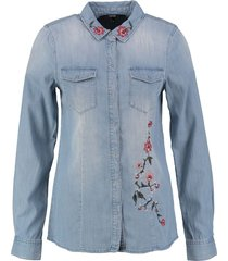 vero moda soepele denim blouse met borduringen