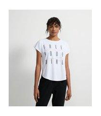 camiseta esportiva em poliamida com estampa escrita free your mind | get over | branco | gg