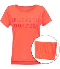 camiseta oxer believe + necessaire - feminina - coral