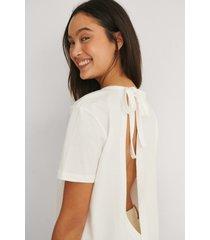 na-kd reborn ekologisk t-shirt med ryggdetalj - white